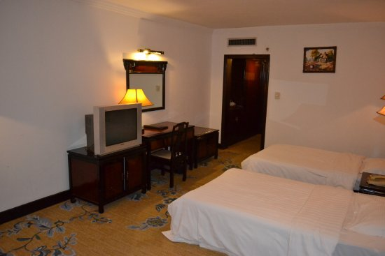 Sovereign Hotel: room in the main building