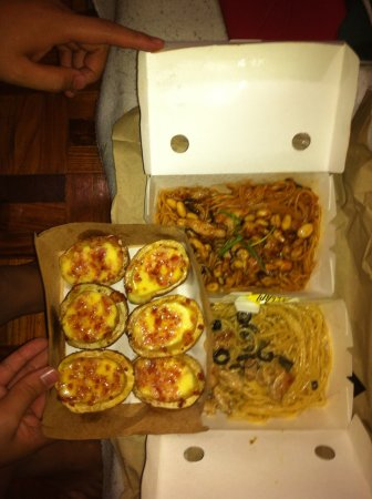 Caloocan, Philippines : Yellow Cab Pizza Co.