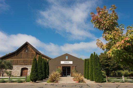 Glen Ellen, Californien: Tasting Room Entrance