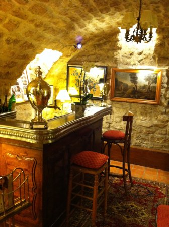 Hotel Duc de Saint Simon: The underground bar.