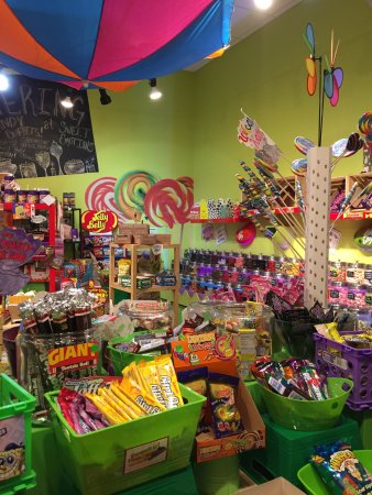 Storrs, CT: Sweet Emotions Candy
