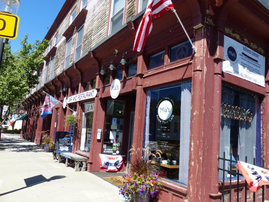 Pawcatuck, CT: Quiet little corner Cafe