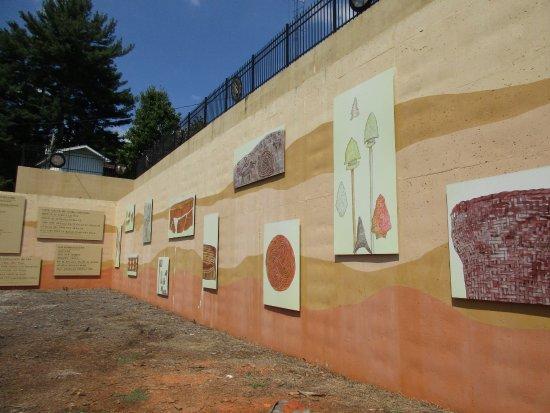 Hayesville, Северная Каролина: History wall