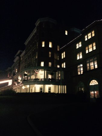 French Lick Springs Hotel: So pretty at night!