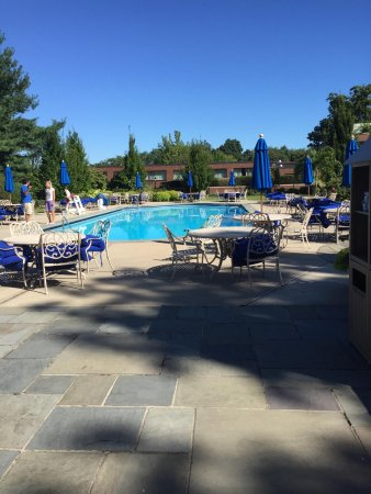 Glen Cove, NY: outside pool