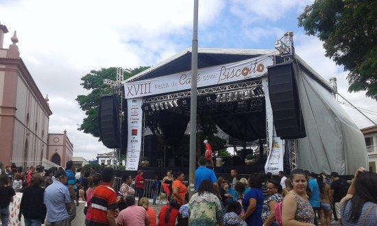 Sao Tiago, MG: tudo pronto para os shows noturnos