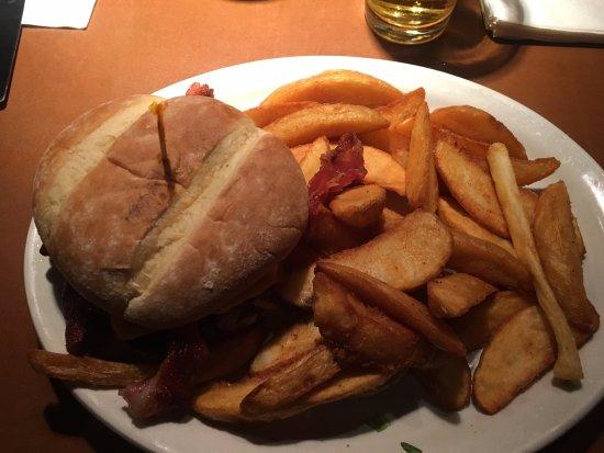 Everett, WA: Bacon Cheese Burger with Jo-Jos