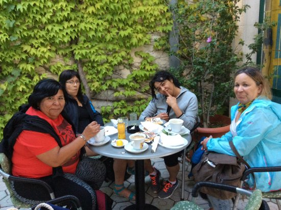 Drvenik, كرواتيا: Desayuno en café oz