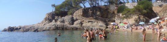 H·TOP Caleta Palace: La Cala Sa Cova, al lado de la playa del Hotel