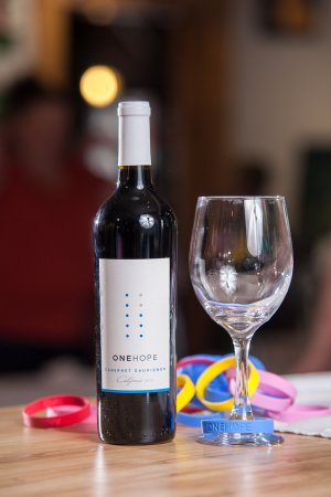 The Starving Artist Cafe: Wine that Give Back