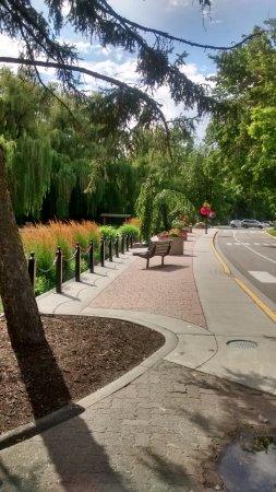 Vernon, Canada: A Continental looking walkway