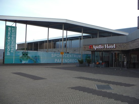 Papendrecht, Niederlande: Sports Center next door