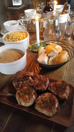 Melrose, MT: family style meals