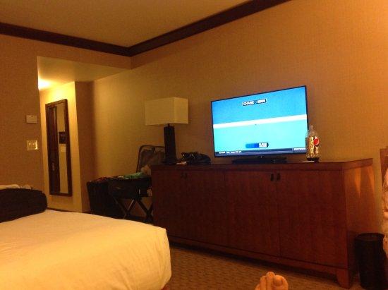Ameristar Casino Resort Spa Black Hawk: Frig, safe, storage galore