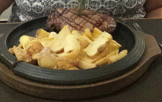 Piano B Ristorante Pizzeria: Perfectly cooked steak