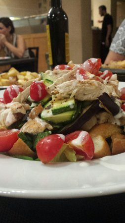 Piano B Ristorante Pizzeria: Chicken salad