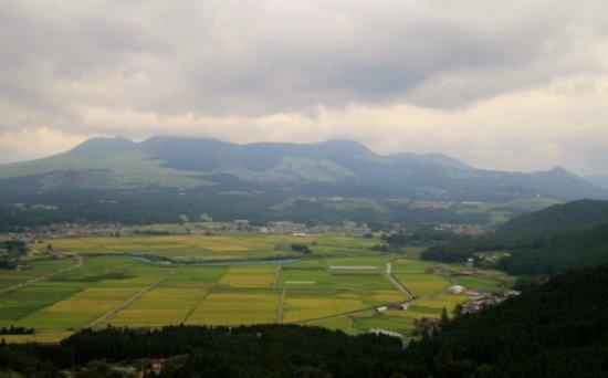 Kumamoto Prefecture, Ιαπωνία: 二重峠から見た阿蘇5岳