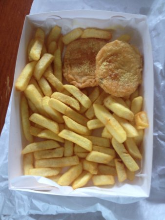 Frankston, Australia: Chips on a cold day. YUM