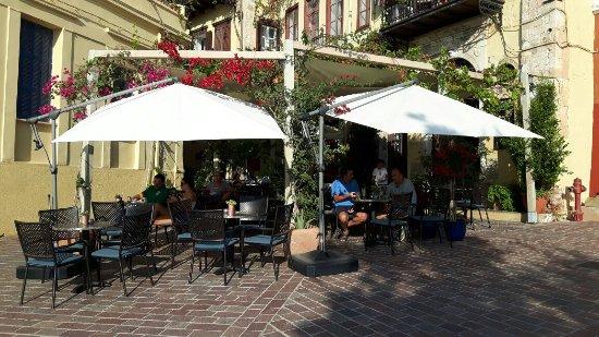 Alcanea Boutique Hotel: 20160915_090347_large.jpg