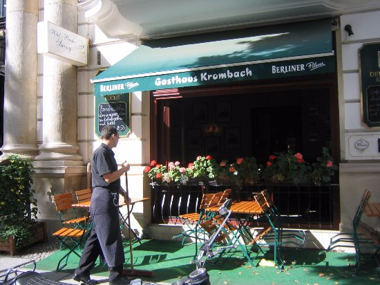 Gasthaus Krombach: Outside dining area being prepared by staff
