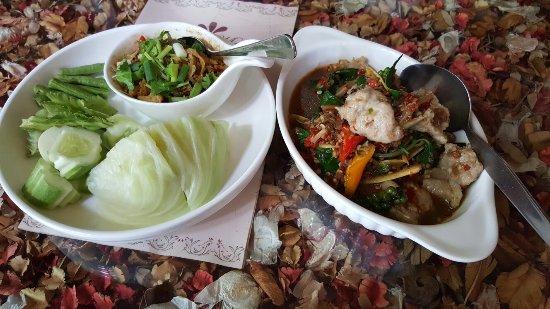 Baan Peeraka Garden Restuarant