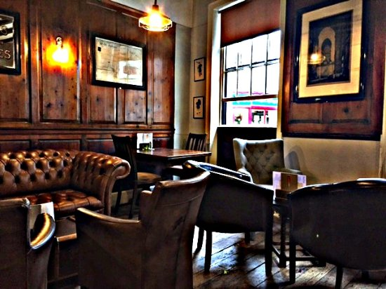The King's Head Hotel: King's Bar
