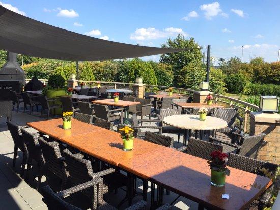 Van der Valk Hotel Stein-Urmond : Lovely outdoor terrace spaces