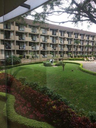 BEST WESTERN Irazú Hotel & Casino: Grounds