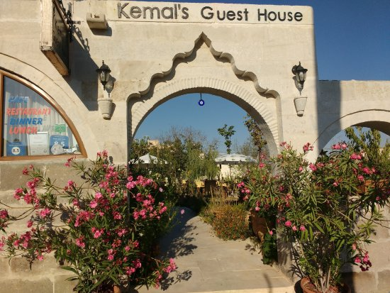 Kemal's Guest House: Entrance