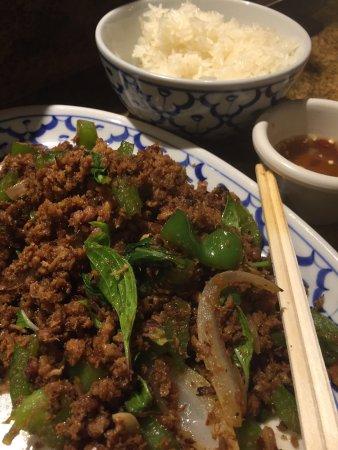 Saeng's Thai Cuisine: photo1.jpg