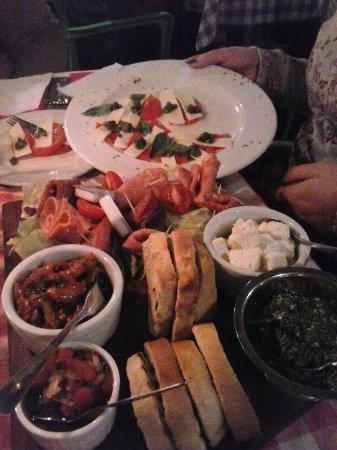 Cullinan, Republika Południowej Afryki: Starters - enough to make a whole meal of!