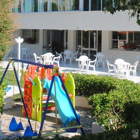 Family hotel k2 spiaggia marina beach lido adriano - Bagno marina beach lido adriano ...
