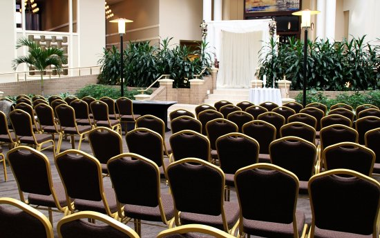 Embassy Suites by Hilton Alexandria-Old Town: Wedding Ceremony,  Mason Room
