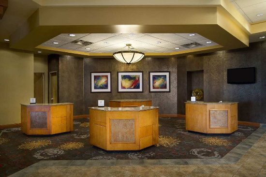 Embassy Suites by Hilton North Charleston - Airport/Hotel & Convention: Front Desk