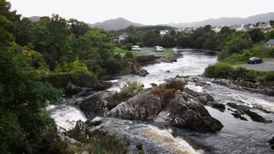 Coomassig View: River in Sneem