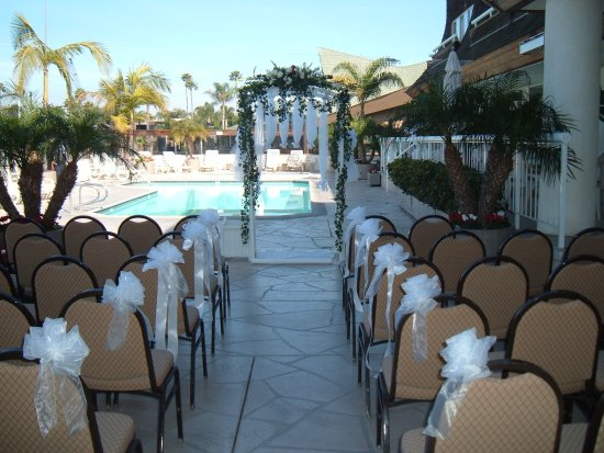 Bay Club Hotel & Marina: OUTDOOR WEDDINGS