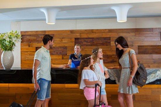 Atlantica Aeneas Hotel: Reception - Front Desk