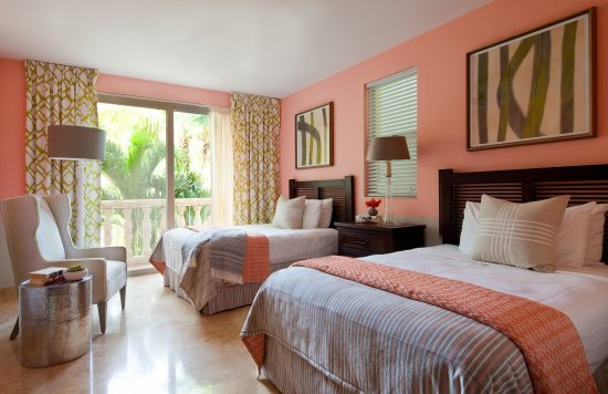 Grace Bay Club: Villas Luxury Suites Back Bedroom