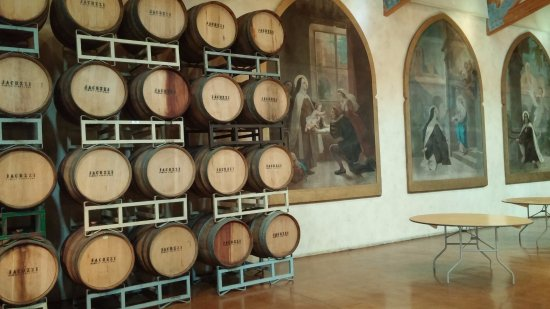 Napa Valley Wine Country Tours: Our first winery stop
