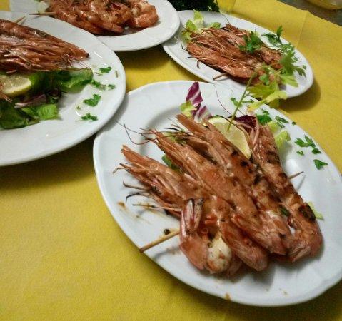 Santa Tecla, Italien: Spiedini di gamberoni arrosto