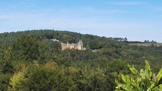 Saint-Andre-d'Allas, Fransa: vue de la piscine