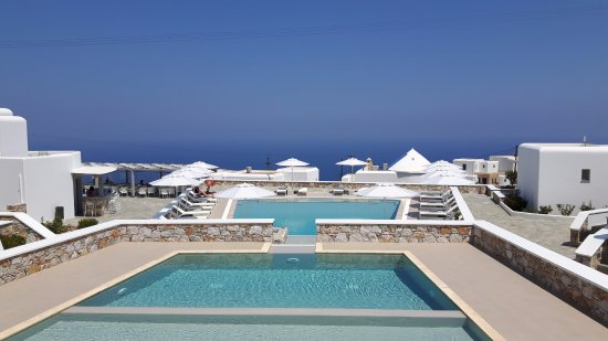 Mar Inn Hotel: Great pools and view