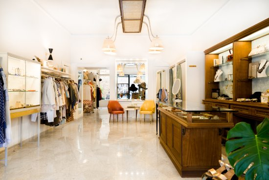 Boutique Nadine Vintage : the store