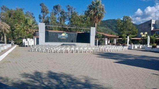 Simenzaru Wild Village: teatro