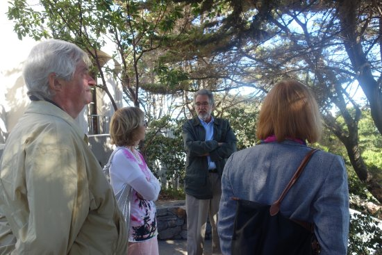 Blue Heron Custom Tours : Rick Spear speaking to our group at Coit Tower