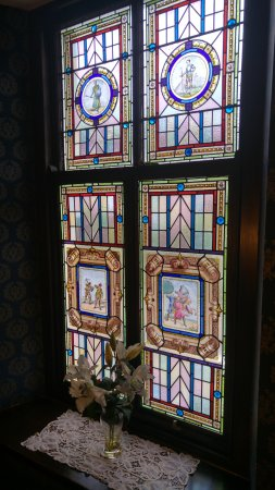 Ty'r Graig Castle Restaurant: one of the stairway windows up to the turret