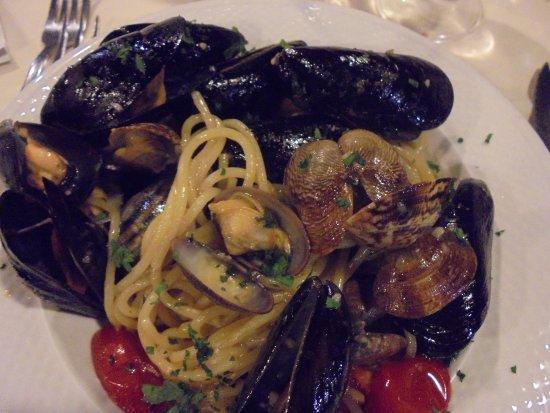 Ritrovo Calandra: Spaghetti cozze e vongole