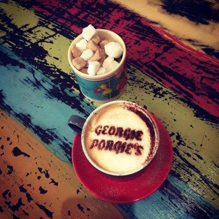 Builth Wells, UK: Gorgeous Coffee at Georgie Porgies