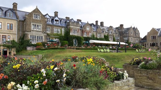 Lower Beeding, UK: Rear of hotel and terrace