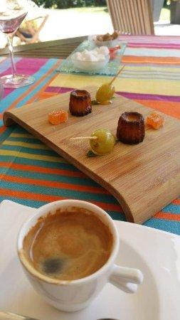 Jurancon, Francia: Café et canelés